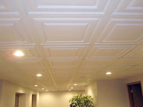 плитка на потолок без швов