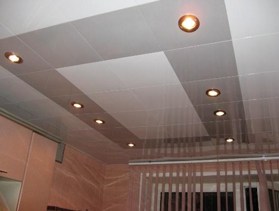 на фото подвесной потолок типа армстронг