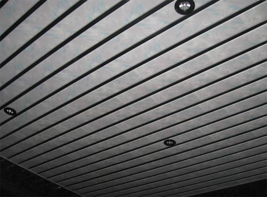 реечные потолки на кухню фото