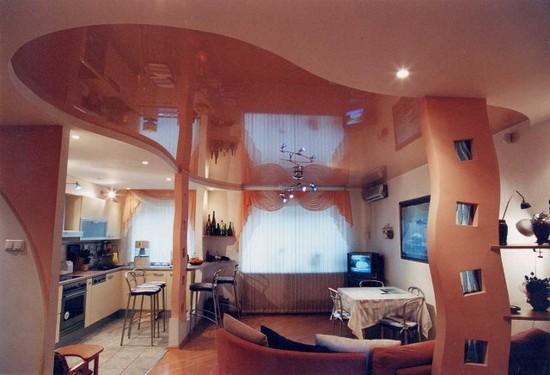 фото двухуровневые натяжные потолки в зале