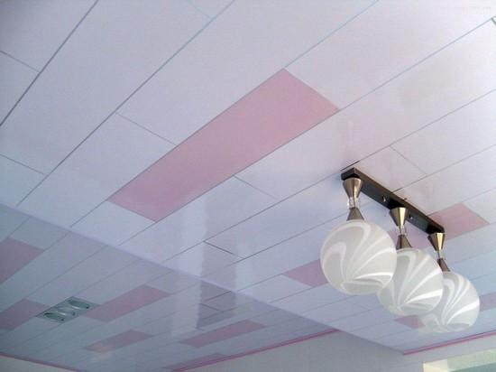 пластиковые панели пвх на потолке