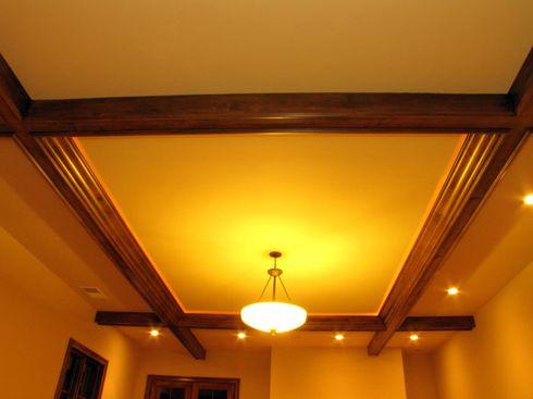 деревянный потолок дизайн