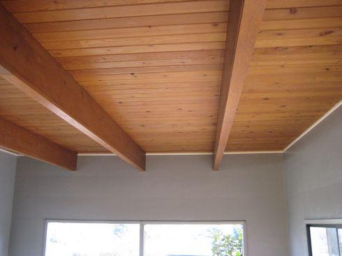 деревянный потолок фото
