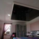 Какой натяжной потолок лучше — глянцевый или матовый