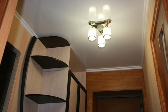 potolok-v-koridore-08
