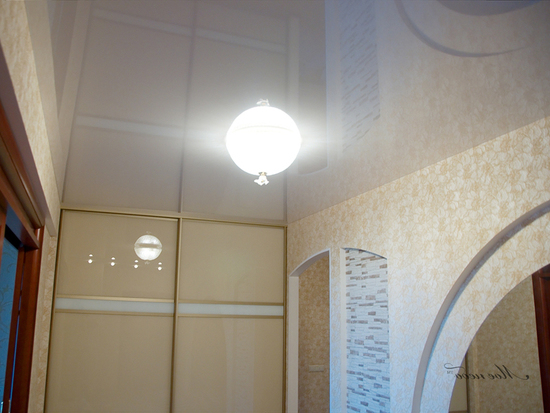 potolok-v-koridore-14