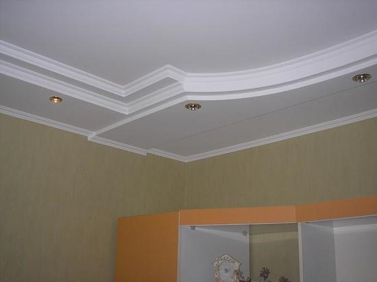 potolok-v-koridore-iz-gipsokartona-06