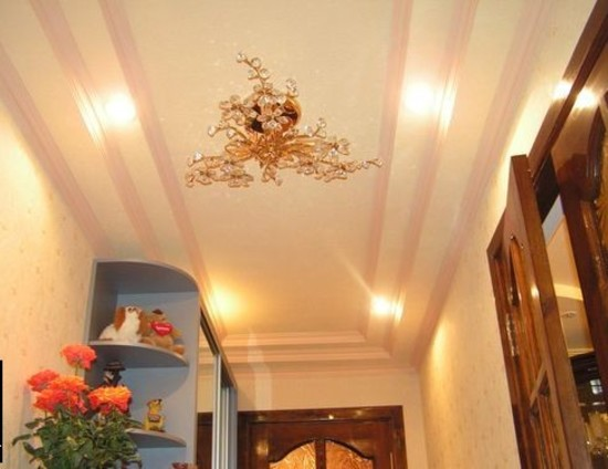 потолок из гкл в узком коридоре