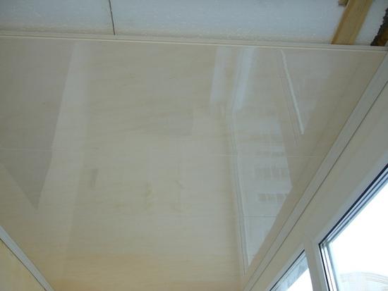 potolok-na-balkone-06