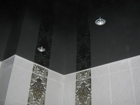 potolok-v-tualete-05