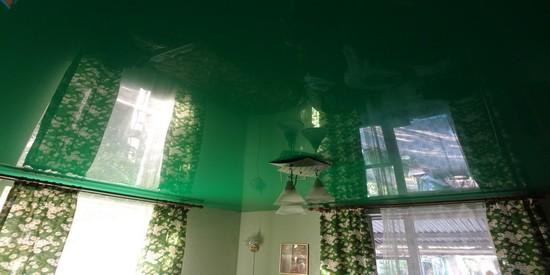 натяжной потолок на даче