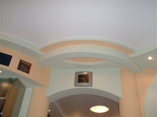 подвесной потолок из гипсокартона на даче