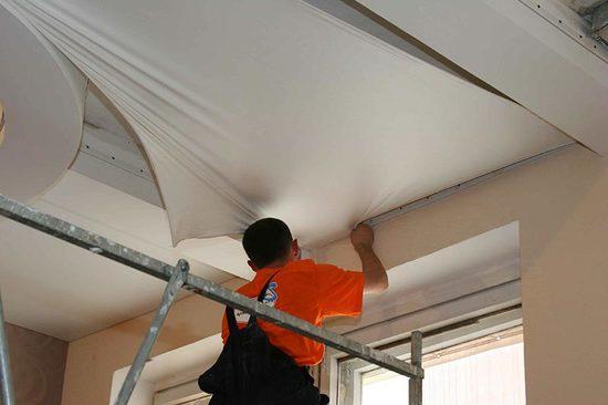 Натягиваем потолки своими руками 3