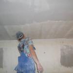 Как происходит шпаклёвка потолка под покраску