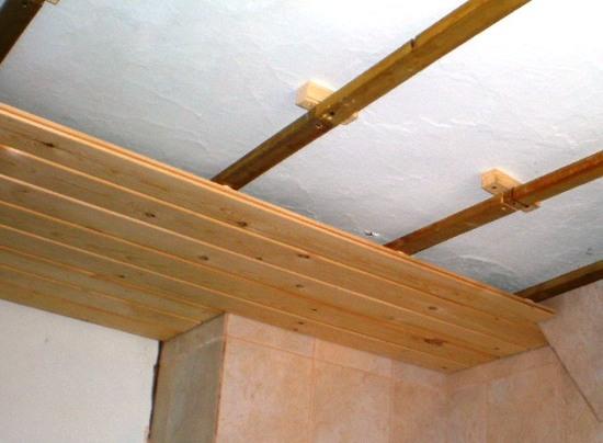 Утепление потолков в деревянном доУкрашения своими руками