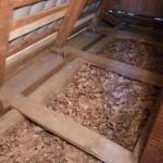 Как утеплить деревянный потолок изнутри в доме