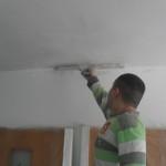 Как зашпаклевать потолок под покраску