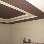 Правила как покрасить потолок без разводов и полос