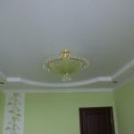 Как самостоятельно отремонтировать потолок