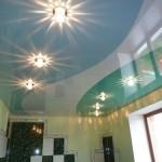 Как производится спайка натяжных потолков: основные моменты