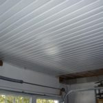Каким материалом подшить потолок в гараже