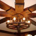 Оригинальные люстры из дерева для интерьера